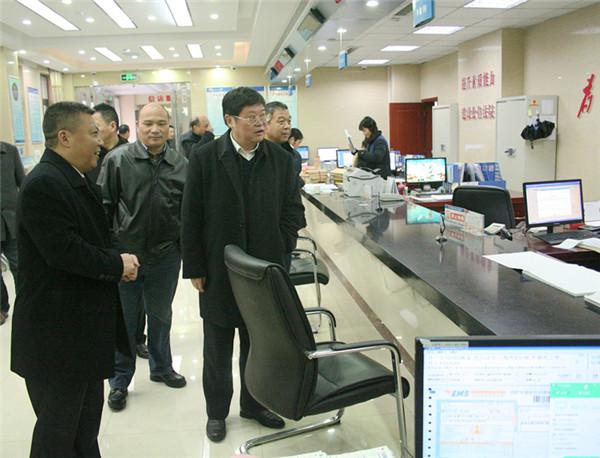 武汉海事法院党组书记、院长吕小武一行 到...